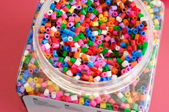 Idées de décorations avec des billes en plastique et en verre