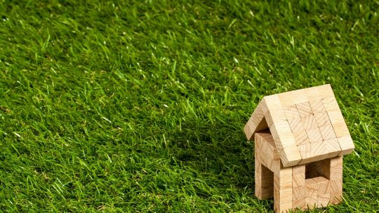 Comment faire le choix entre placement financier et immobilier ?