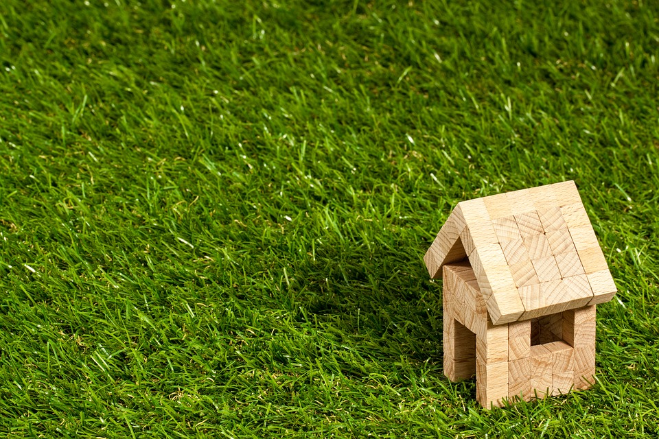 Comment faire le choix entre placement financier et immobilier ?